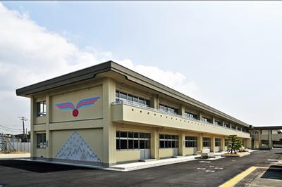 山口県立宇部総合支援学校普通教室外観(南西面)イメージ写真