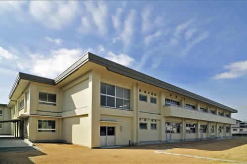 山口県立宇部総合支援学校実習棟外観全景(北東面)イメージ写真